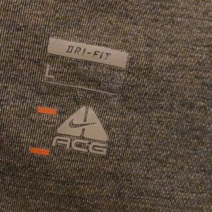 Nike Shirts - Nike long sleeve shirt